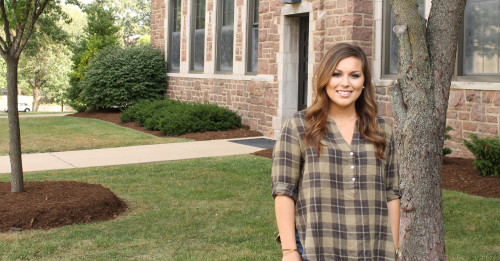 A transfer student, Nina chose Fontbonne for its strong reputation. Now that she's here, she feels like part of a big family. Learn more about her.